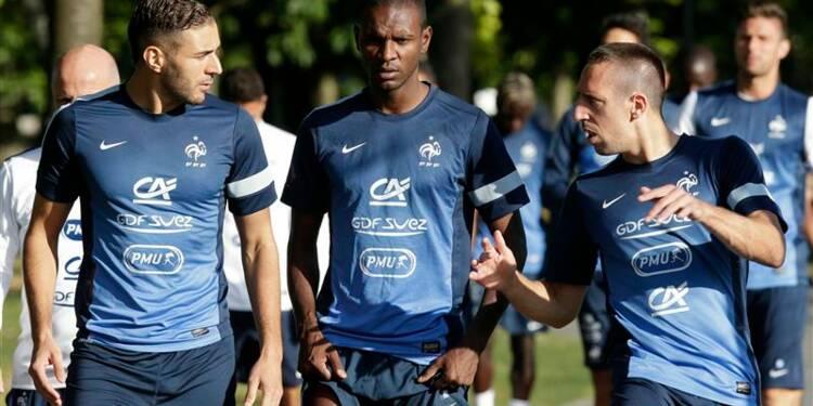 Football: les Bleus et Benzema se cherchent toujours un but