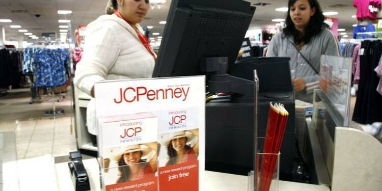 L'action J.C. Penney plonge après la chute de ses ventes