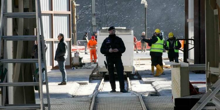 Manifestation anti-tunnel à Rome pendant la visite de Hollande