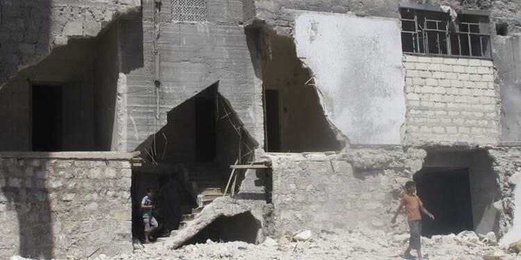 L'option militaire reste envisagée en Syrie, dit Paris