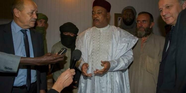 Hollande annonce la libération des quatre otages d'Aqmi au Sahel