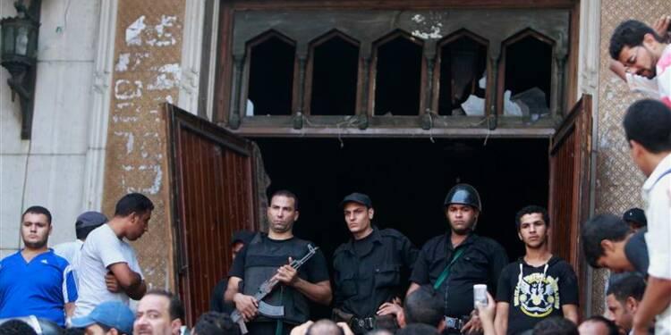 Fusillade dans une mosquée du Caire près de la place Ramsès