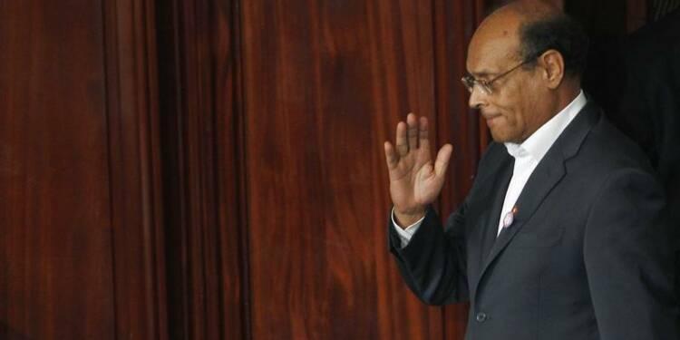 """Le parti de Marzouki """"gèle"""" son départ du gouvernement tunisien"""