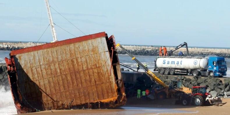 Le démantèlement du cargo échoué à Anglet durera deux mois