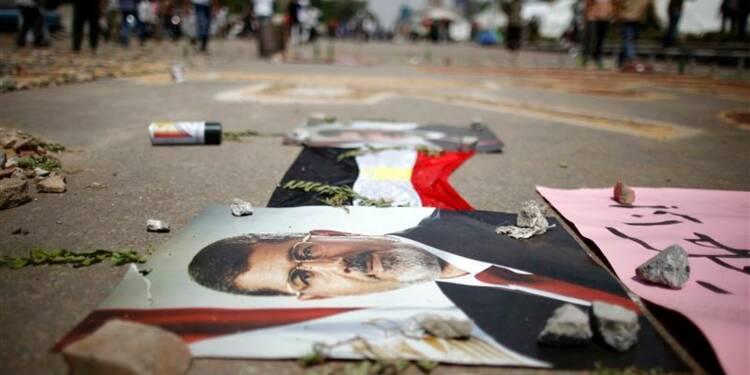 Adli Mansour se met au travail, l'Egypte compte ses morts