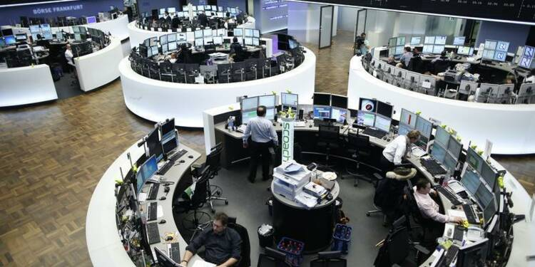 Les Bourses en Europe finissent en baisse, Chypre pèse encore