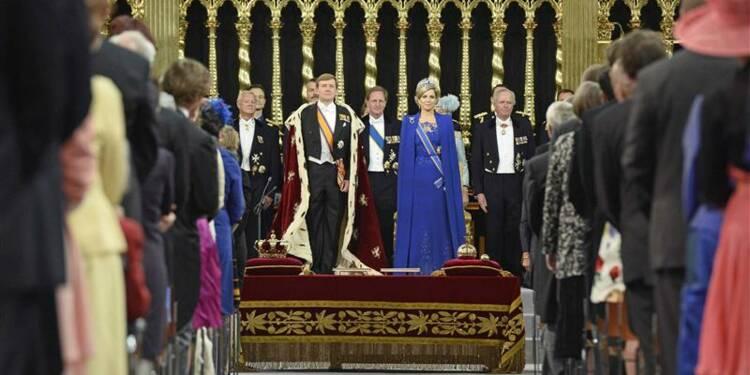 Aux Pays-Bas, Willem-Alexander succède à sa mère Beatrix