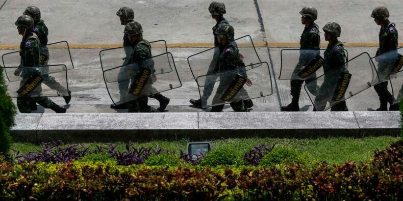 L'armée thaïlandaise instaure la loi martiale