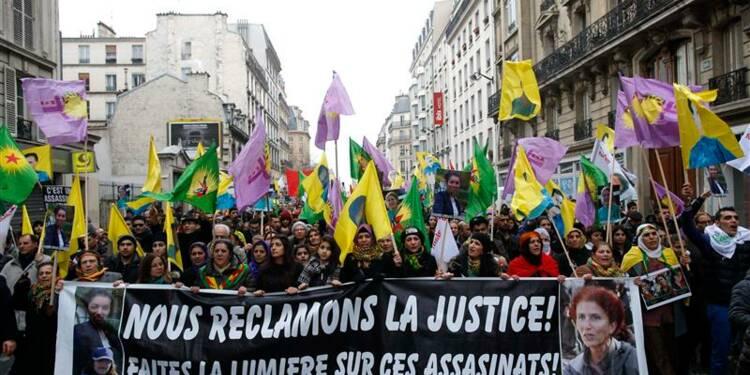 Des milliers de Kurdes à Paris un an après un triple meurtre