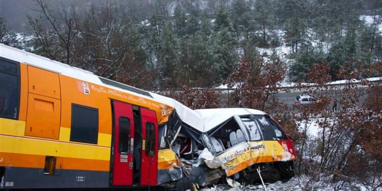 Un train touristique déraille en Provence, deux morts