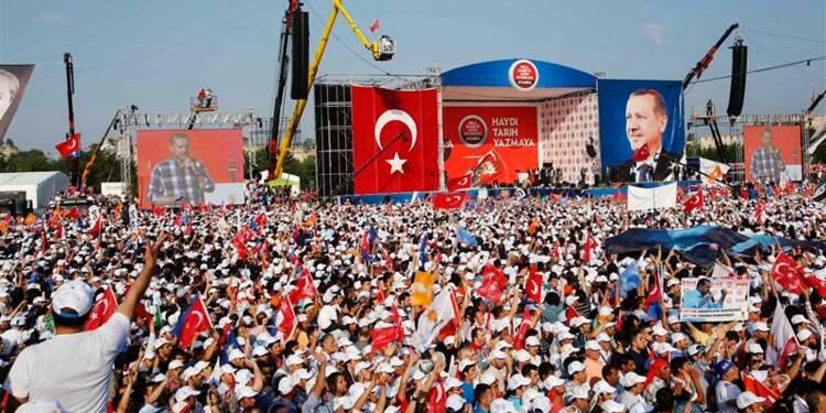 Démonstration de force d'Erdogan à Istanbul