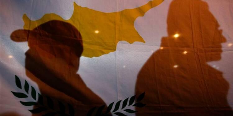 Chypre limite les retraits d'argent liquide à 300 euros