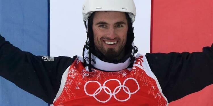 JO: Pierre Vaultier champion olympique de snowboard-cross