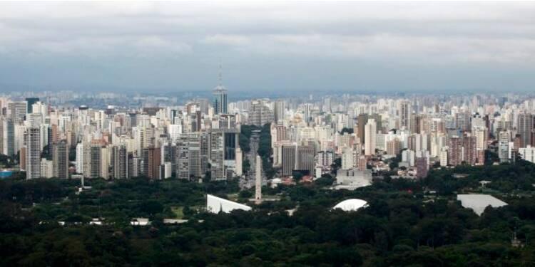 """S&P abaisse la note de crédit brésilienne à """"BBB-"""""""
