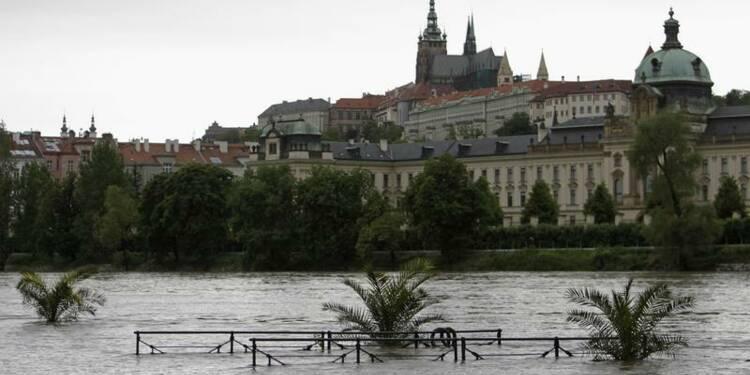 Prague menacée par les inondations, état d'urgence décrété