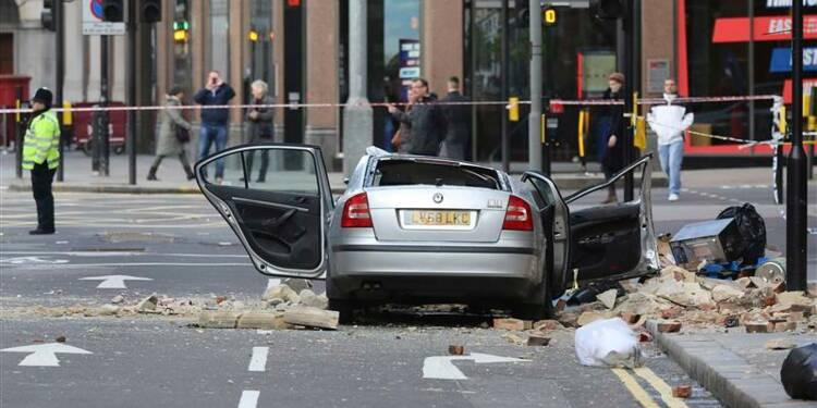 Deux morts dans une tempête au Royaume-Uni
