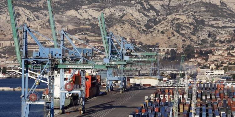 Le port de Marseille bloqué par une grève des dockers