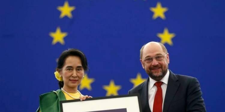 Aung San Suu Kyi reçoit son prix Sakharov, 23 ans après