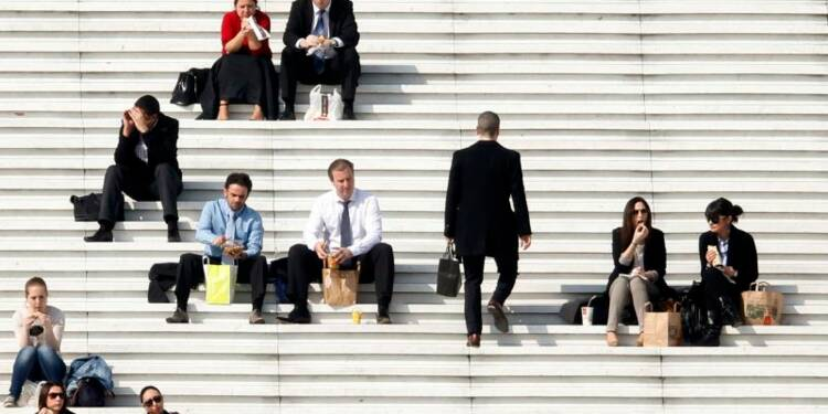 Hausse des offres d'emploi de cadre en février, selon l'Apec