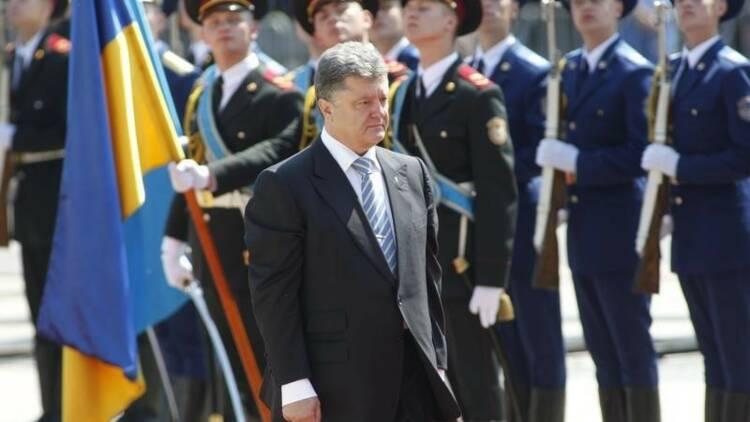 Porochenko prône une Ukraine unie, pas de compromis sur la Crimée