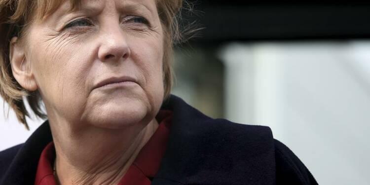 Discrétion inquiète à Berlin face aux attaques du PS français