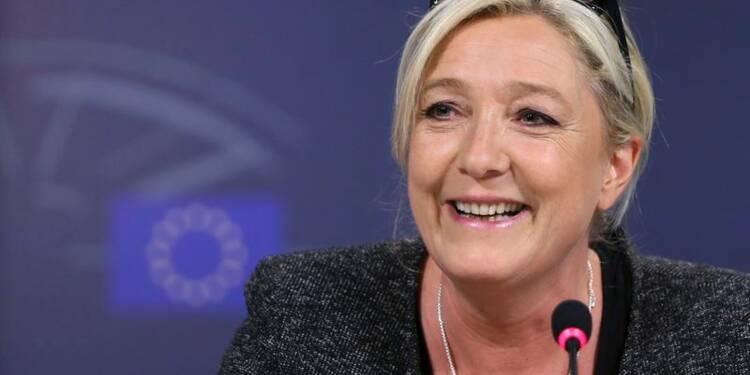 Marine Le Pen dit son admiration pour Poutine et Merkel
