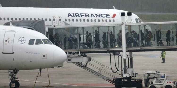 Air France prévoit 1.800 suppressions de postes au sol