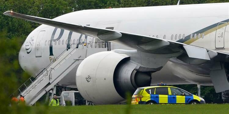 Un avion de ligne pakistanais dérouté atterri à Stansted