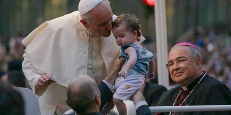 Une foule immense salue le pape à son arrivée à Rio de Janeiro