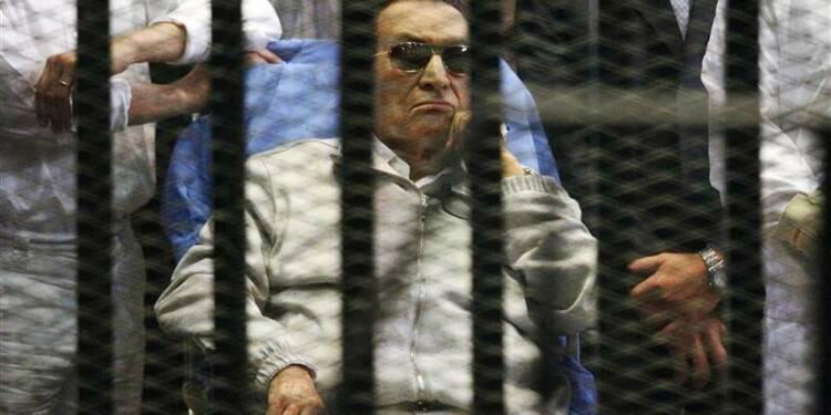 Hosni Moubarak sera placé en résidence surveillée