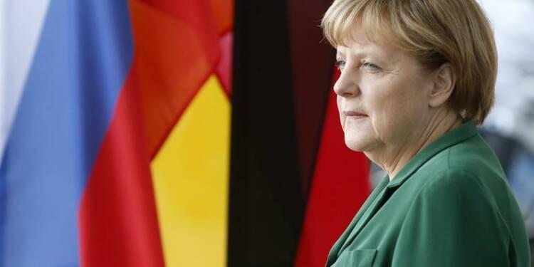 Berlin affirme sa confiance en Paris malgré les attaques du PS
