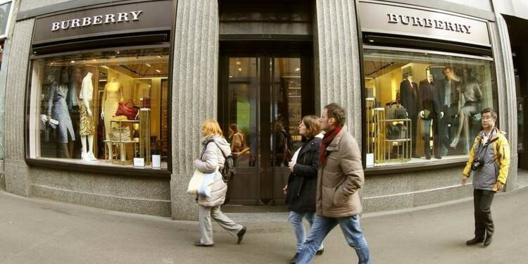 Burberry livre des résultats en hausse et augmente son dividende