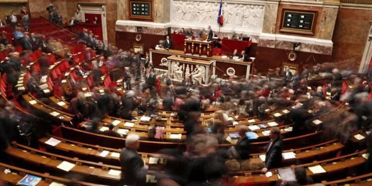 Les députés socialistes rappelés à l'ordre sur le budget