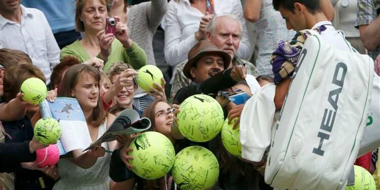 Wimbledon: Novak Djokovic et Serena Williams sans problème