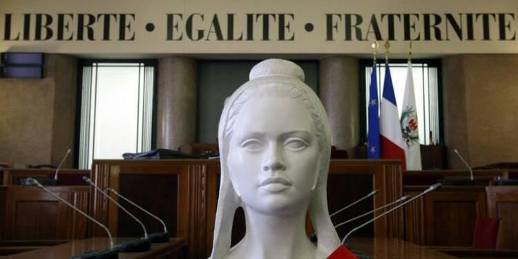 Manuel Valls cible le Sénat après le vote contre le non-cumul