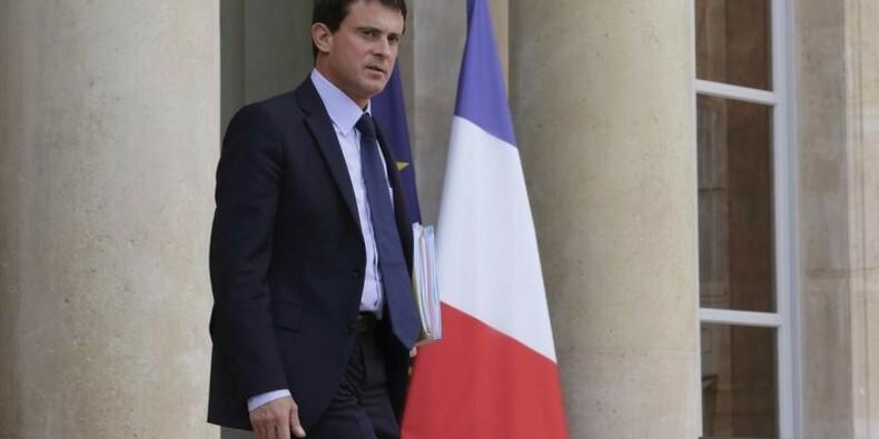 Manuel Valls annonce aux députés PS de nouvelles économies