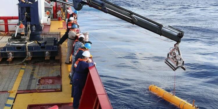 L'océan trop profond pour le robot qui recherche le Boeing