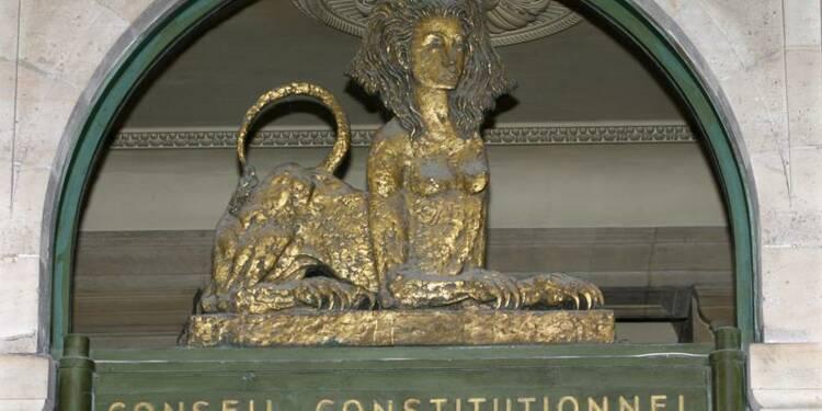 Hollande appelle Sarkozy au respect du Conseil constitutionnel