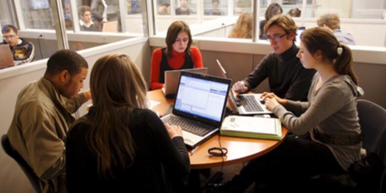 Le nombre d'offres d'emploi pour les jeunes diplômés a chuté de 44% depuis janvier