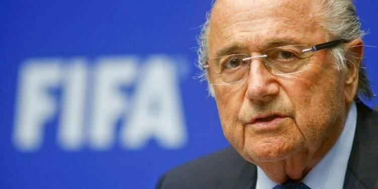 """La Coupe du monde au Qatar, une """"erreur"""" selon Blatter"""