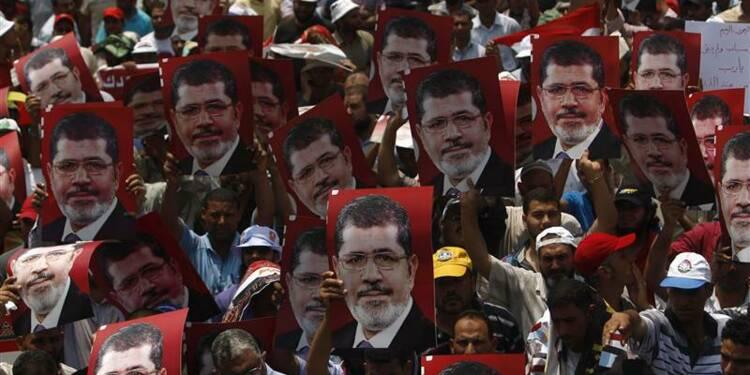 L'armée égyptienne se déploie autour du site où se trouve Morsi
