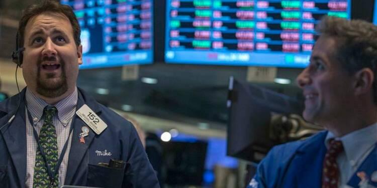 Wall Street finit en baisse faute d'avancée à Washington