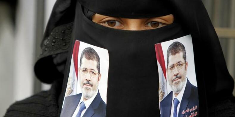 "Morsi en procès en Egypte pour complot ""terroriste"""