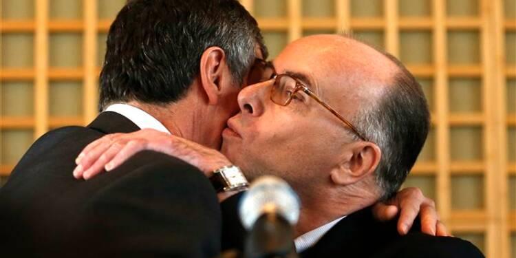 Le PS salue Cahuzac, l'UMP rappelle le cas Woerth