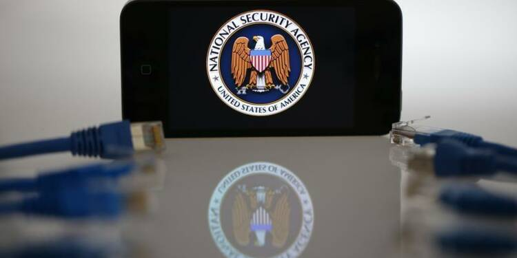 Des millions de SMS collectés par la NSA, selon The Guardian