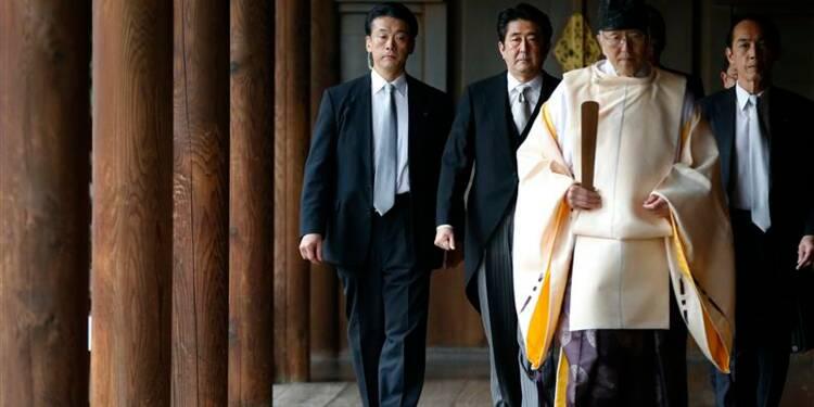 Visite de Shinzo Abe au sanctuaire controversé de Yasukuni