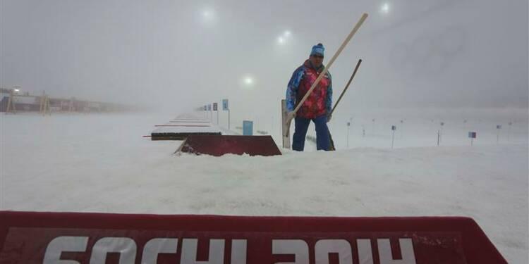 """JO: la """"mass-start"""" du biathlon à nouveau reportée, à mardi"""