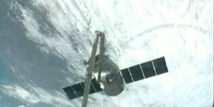 La capsule Dragon, de SpaceX, s'arrime à la station spatiale