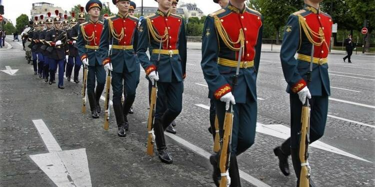 Paris suspend sa coopération militaire avec Moscou