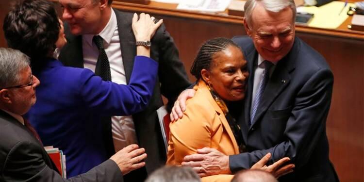 Le Parlement ouvre le mariage aux couples homosexuels